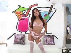 Sexy Vina Sky receives an anal creampie