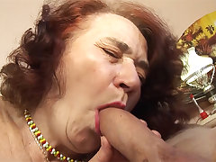 chubby mom fucked wits her hairdresser