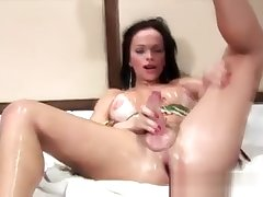 humongous 10-Pounder lady-man Rubbing Her Body With Oil And jerking off