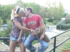 Risky outdoor screwing makes Kamila horny added to she begs him not to stop
