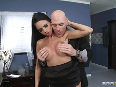 Audrey Bitoni spreads her legs to have sex in the situation with her boss