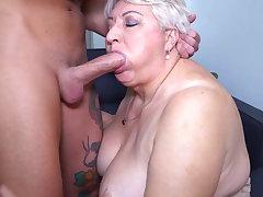 Big mom sucks and fucks her toyboy