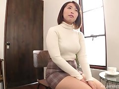 Chubby Japanese Shinozaki Kanna moans while playing with her cunt