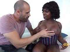 Coloured transsexual hooker Serrate Da Hunter is fucked by vapid man