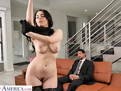 Valentina Nappi seduces the driver and fucks him at home