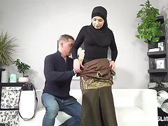 Muslim woman wants photos from a marketable photographer