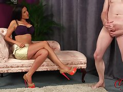Attracting model Bella Fuentes teases a dude to help him finish