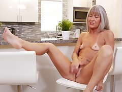 Leilani Lei opens her legs in the kitchen to delight her cravings
