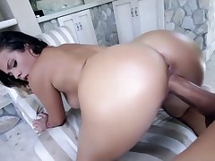 Keisha Grey ride monster bushwa