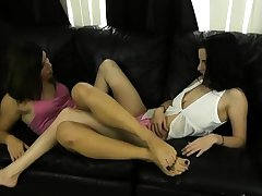Lesbian chicks earn foot fetish